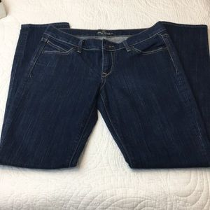 Old Navy Diva Mid Rise Straight Jean 6 Long
